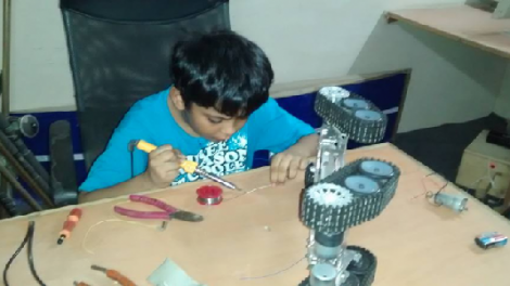 Pakistani Kid develops a full-fledges defense Drone