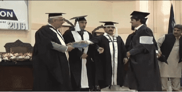 peshawar-student-arrested-for-refuses-to-accept-degree-from-kpk-governor