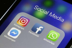 WhatsApp, Facebook, Instagram went down